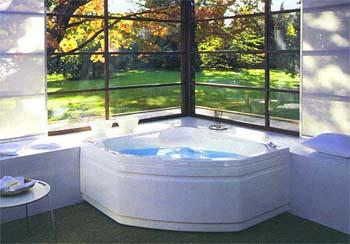 Как правильно выбрать угловую ванну