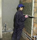 Как наносится штукатурка на стены ванной комнаты