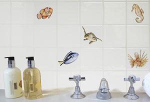 Монтаж керамической плитки в ванной