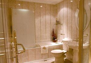 Отделка ванной комнаты ПВХ панелями